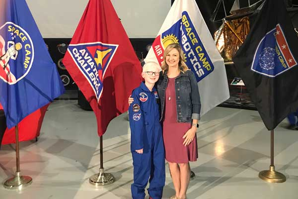 NOAH Member Owen with his Mom at Space Camp